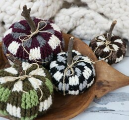 Bulky & Quick Plaid Pumpkins