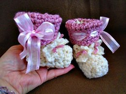 912 - Pink Ribbon Booties