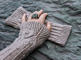 """Arm Warmers """"Feathers & Lines"""""""
