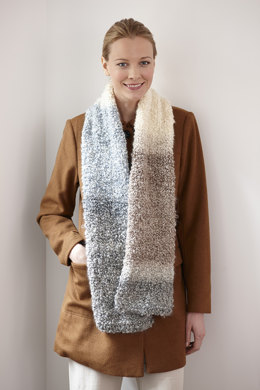 Simple One Ball Scarf in Lion Brand Homespun Thick & Quick - L30125F