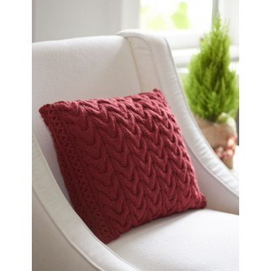 Christmas Cables Pillow in Patons Canadiana