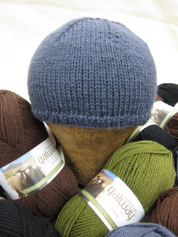 Helmet Liner and Matching Cowl in Plymouth Galway Worsted - F308