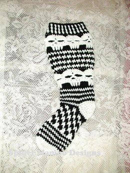 Plus Size Creepy Skull Knee Socks