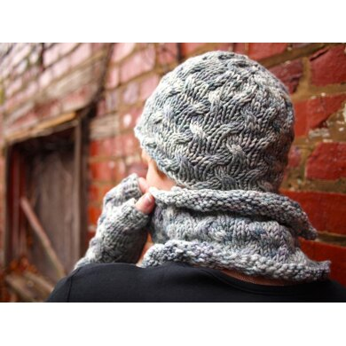 Shifting Cable Hat