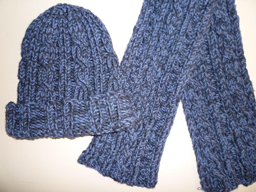 Reversible Cable Scarf & Cap Knitting pattern by Ellen Rich ...