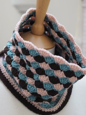 Rose Chocolate Cowl
