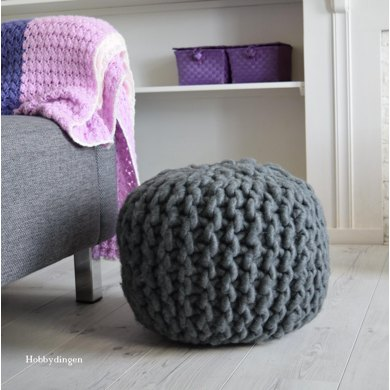 Pouf - Yarn and Colors