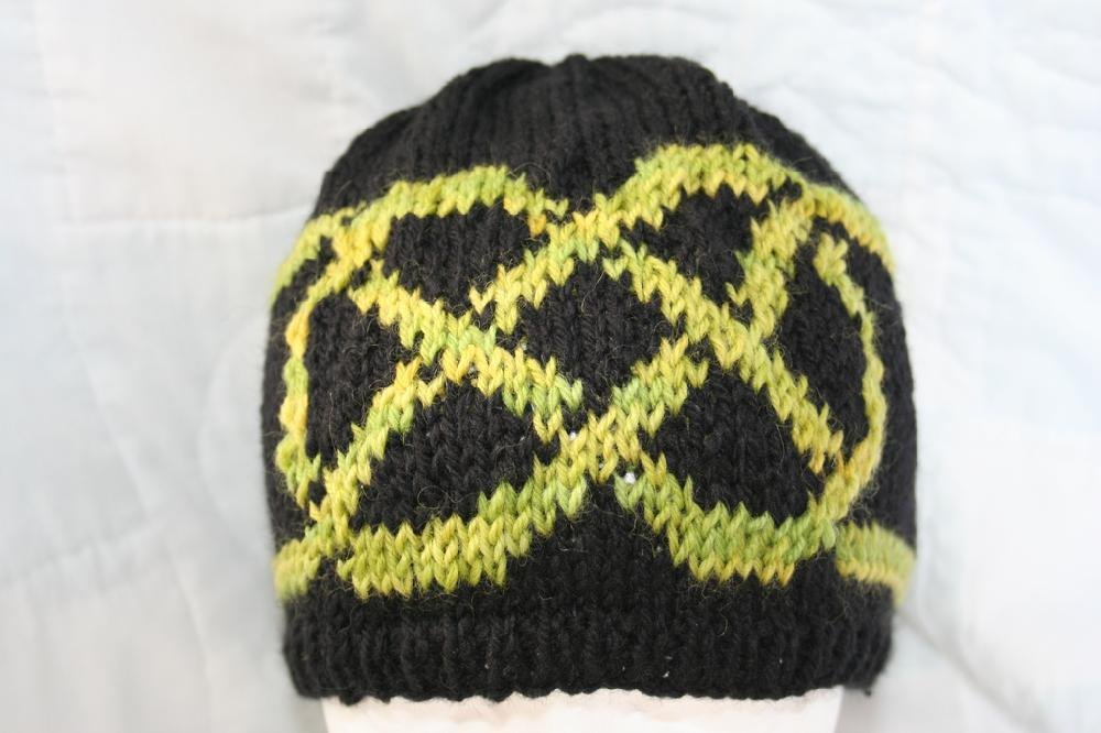 Celtic Love Knot Knitting Pattern : Celtic Knot Hat Knitting pattern by Ellen Mallett Knitting Patterns LoveK...