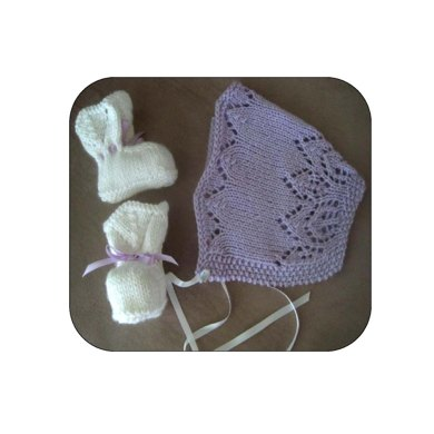 Little Cherub Bonnet & Booties Set