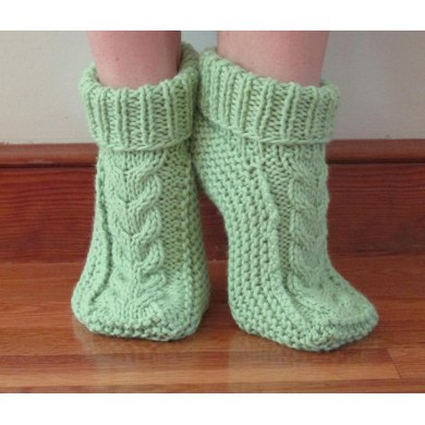 Cabled Foot Cozies