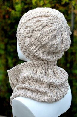 Delicate Hat and Cowl Set (Cable Hat and Cowl Set / Winter Hat and Cowl Set)