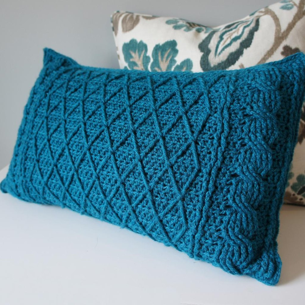 Cables lattice pillow cover knitting patterns loveknitting cables lattice pillow cover zoom bankloansurffo Images