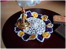 1:12th scale pansy doily