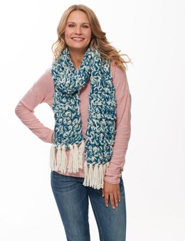 Fringe-y Finger Crochet Scarf in Bernat Soft Boucle