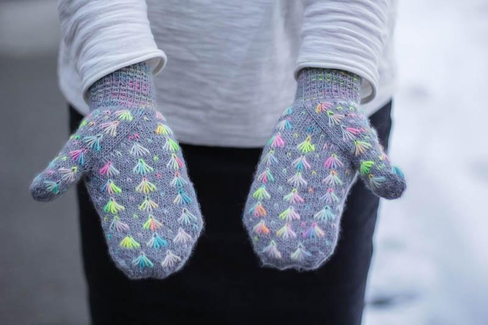 Elephant Mittens Knitting pattern by Jenise Reid Knitting Patterns LoveKn...