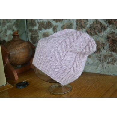 Hat old rose with braids