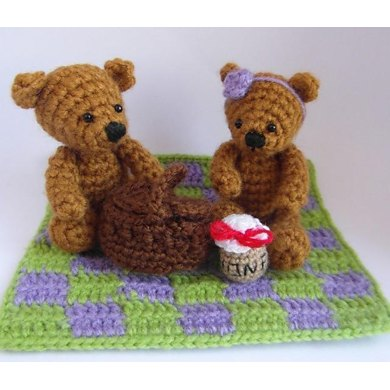 Picnic Teddy Bears