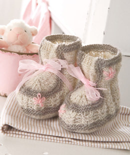 Baby Booties in Regia 4 Ply 50g - R0032