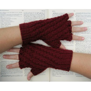 Verso/recto fingerless gloves