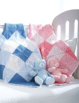 Double Diamond Blanket in Bernat Softee Baby Solids
