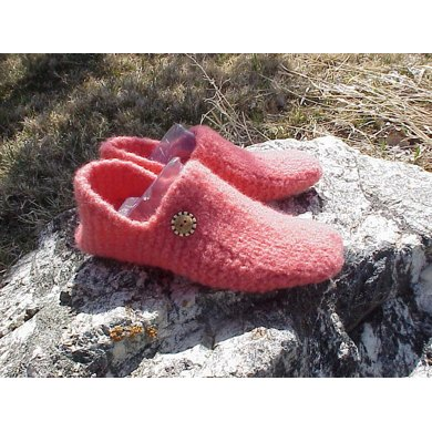 Shlippers - Felted Slippers, super EASY pattern!