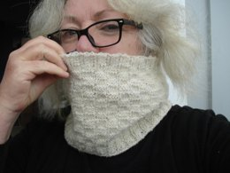 Tin Shed Yarns Westport Quay Cowl