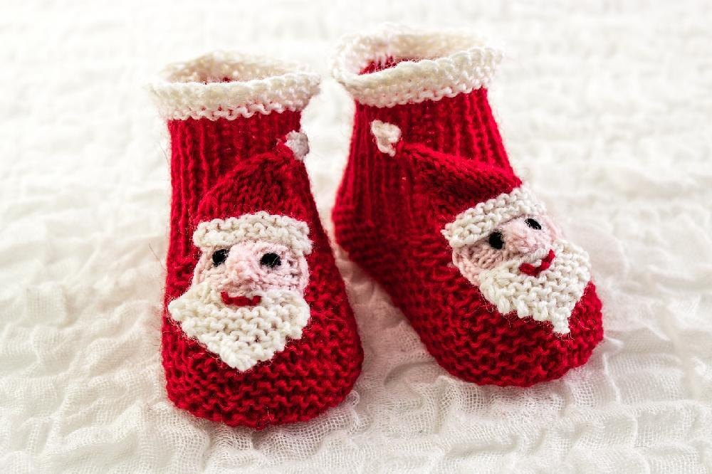 Santa Face Baby Booties Knitting Pattern By Heaventoseven