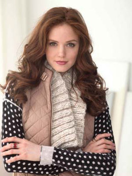 Neckwarmer With A Twist in Lion Brand Wool-Ease Thick & Quick - L40061