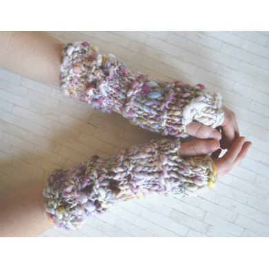 Stevie Gloves in Knit Collage Daisy Chain