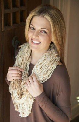 Arm-Knit Stellar Cowl in Red Heart Stellar - LW4214