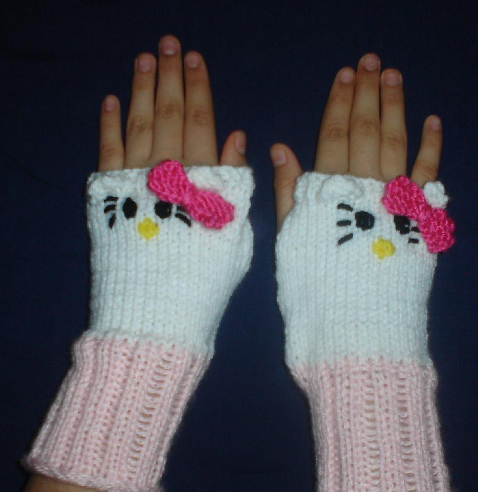 Knitting Pattern For Hello Kitty Sweater : Hello Kitty Handwarmers Knitting pattern by Aundie Molina Knitting Patterns...