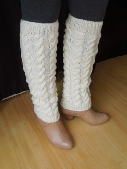 Traditional Cable Patterned Legwarmers