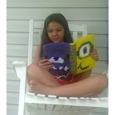 """Bound Book style 7"""" Tablet cover - MINIONS"""