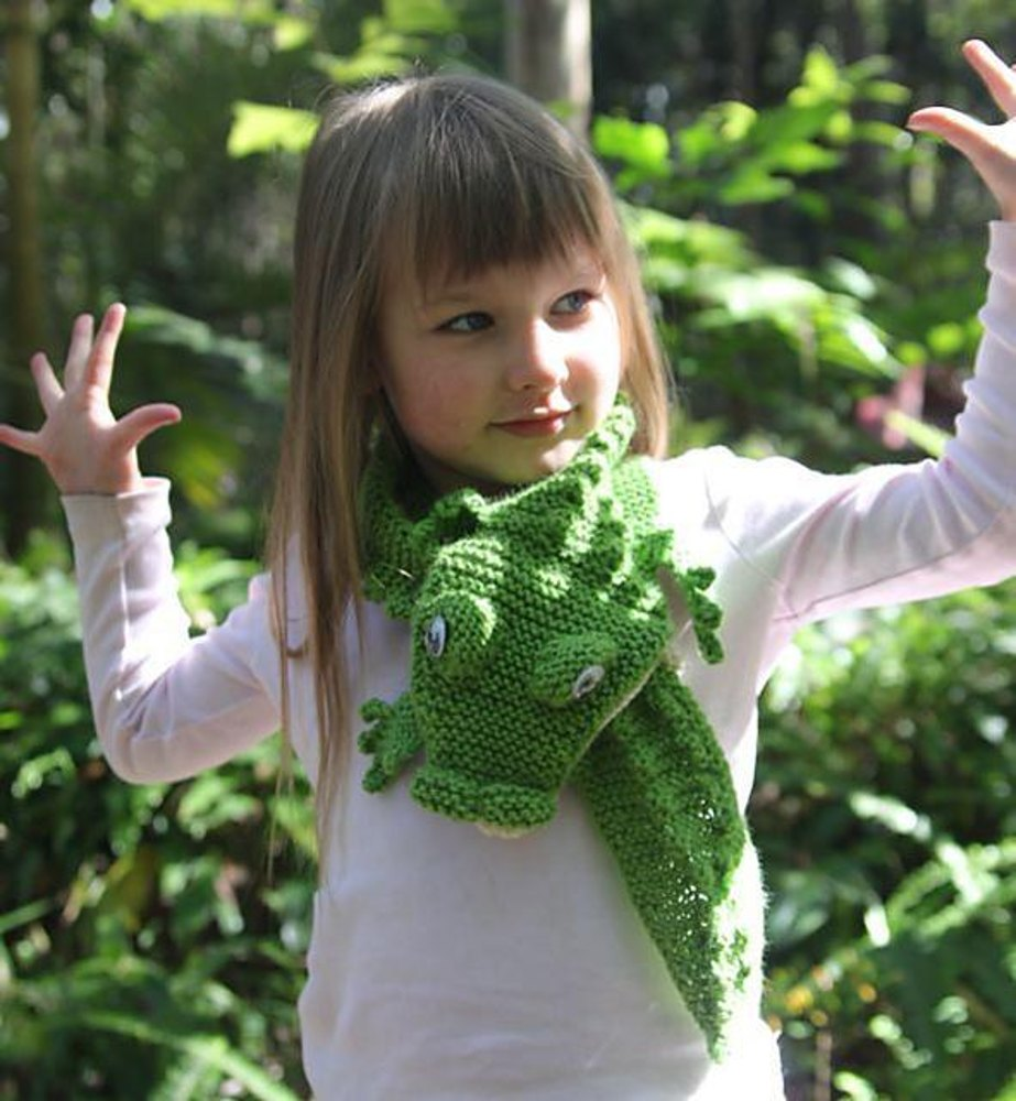 Crocodile Scarf Knitting pattern by Rian Anderson | Knitting ...