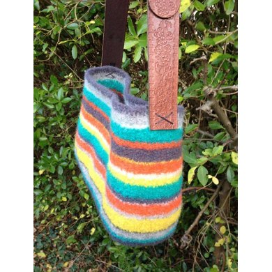 Tote Chic Felted Bag Knitting Pattern By Sophie Wire