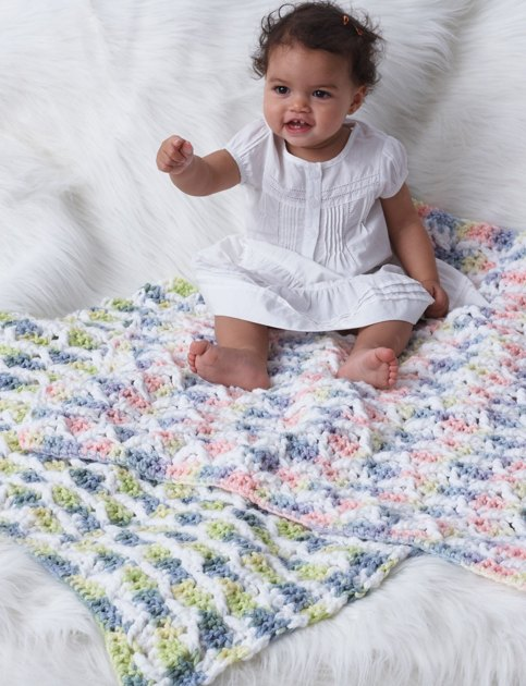 Bernat Baby Blanket Knitting Patterns : Baby Blanket in Bernat Softee Chunky Knitting Patterns LoveKnitting