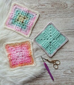 Puffs and Hugs Granny Square