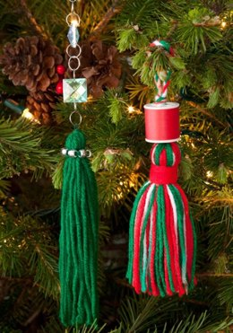 Tassels for Your Tree in Red Heart Super Saver Economy Solids - LW2625