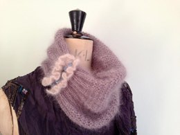 Vintage inspired Cowl and Fingerless Gloves