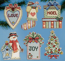 Design Works Country Christmas Plastic Canvas Ornaments Cross Stitch Kit - 7.5cm x 10cm