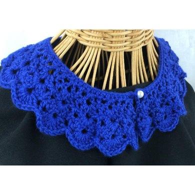Shell Lace Collar
