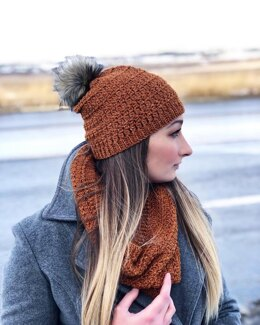 The Top Stitch Toque and Cowl