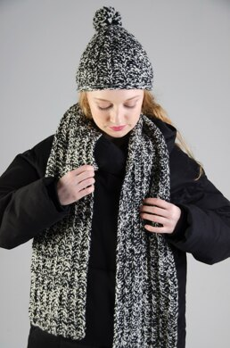 Cosy ribbed hat and scarf set
