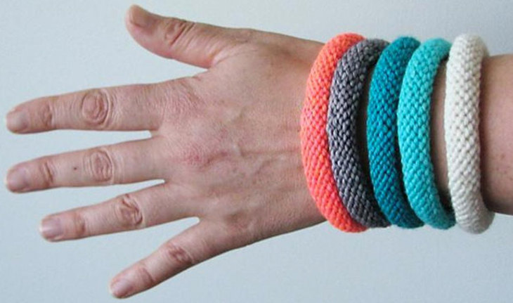 Easy Knitted Bangle by Ambah