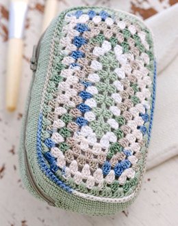 Make Up Bag in Aunt Lydia's Classic Crochet Thread Size 10 Solids, Size 10 Natural and Size 10 Shaded - LC2429 - Downloadable PDF