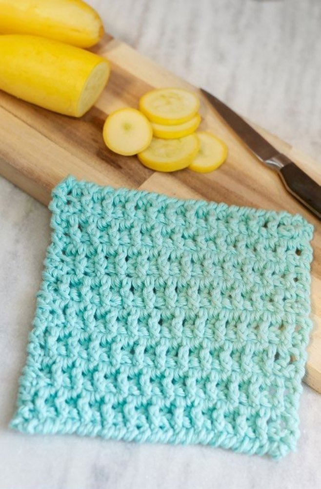 Lattice Washcloth In Red Heart Scrubby Smoothie