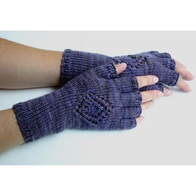Medallion Gloves