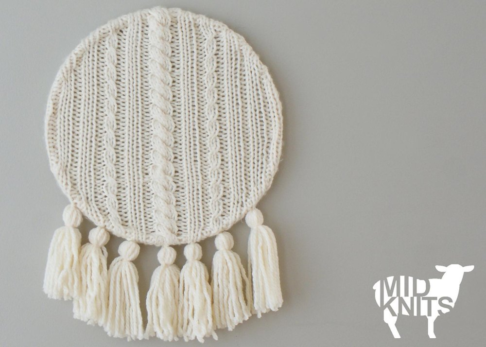 Cable Knit And Tassels Wall Hanging 2015017 Knitting