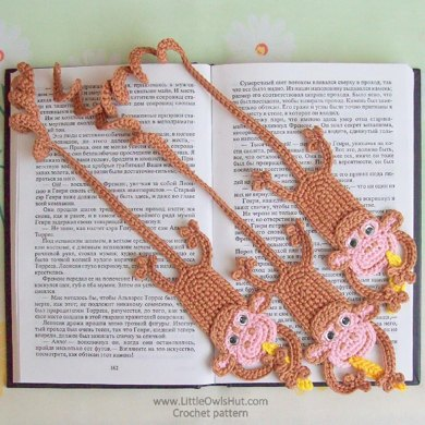 029 Monkey bookmark amigurumi