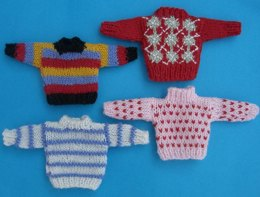 HMC53 Collection of sweaters for a doll in the dolls house
